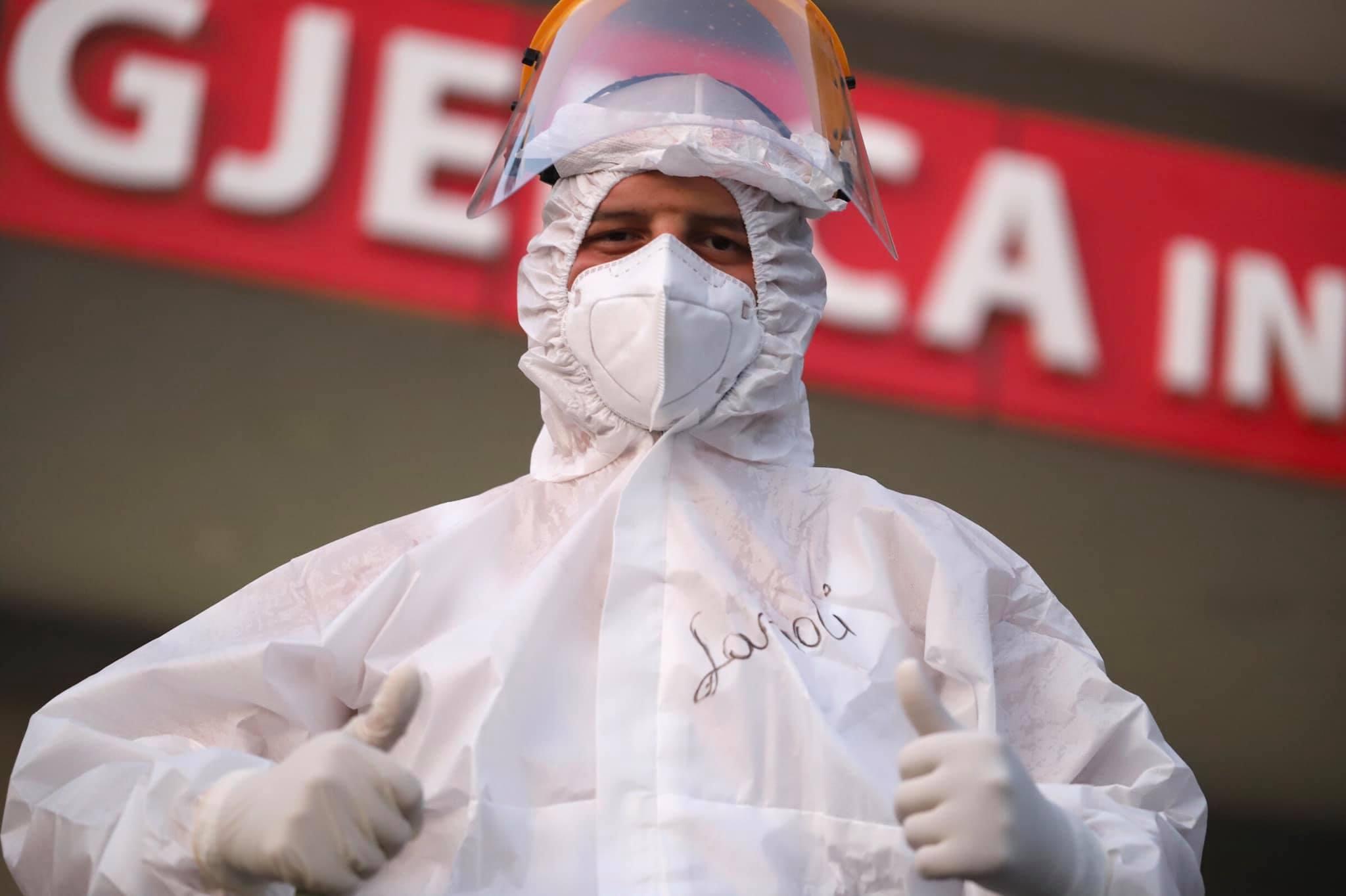 """""""Virusi u ka pushtuar mushkërinë"""", Manastirliu apel të rinjve: Ju lutem, zbatojini masat e thjeshta"""