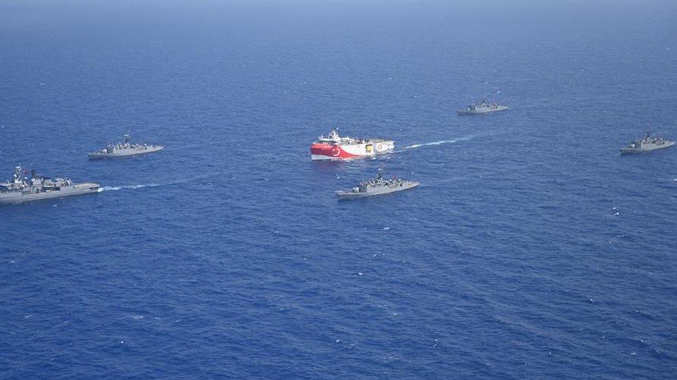 25 anije ushtarake turke përballë ishujve grekë, dalin fotot e operacionit