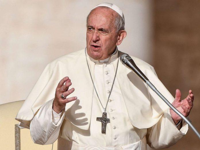 Papa Françesku dhuron 250 000 euro për Kishën libaneze
