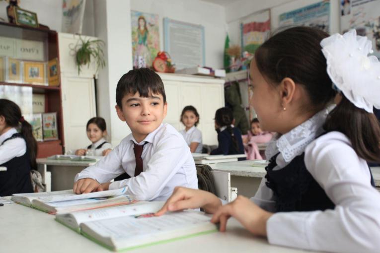 UNICEF: Një e treta e fëmijëve në botë nuk zhvilluan mësim, shkak mungesa e qasjes në internet