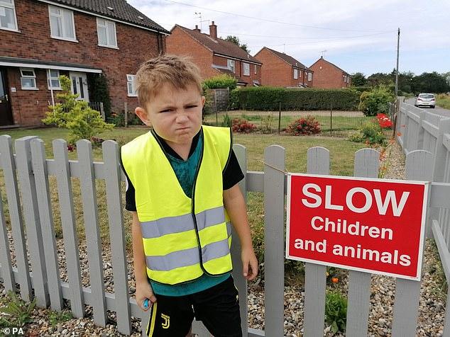 """""""Polici i vogël"""" që bën ligjin, ndëshkon shoferët që tejkalojnë shpejtësinë"""