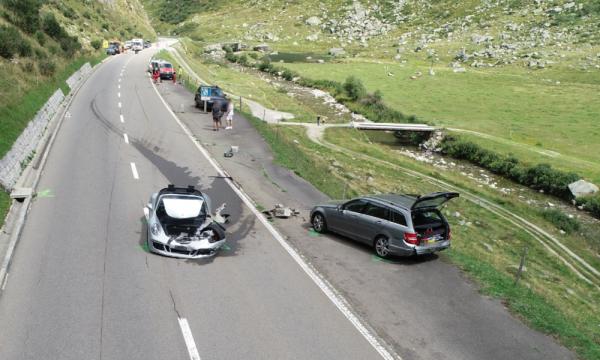 Përplasen dy makina luksoze në Zvicër, dëmet kapin vlerën 3.7 milionë franga
