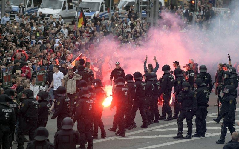 Demostrata anti-covid në Gjermani, Berlini përfshihet nga protestat e dhunshme