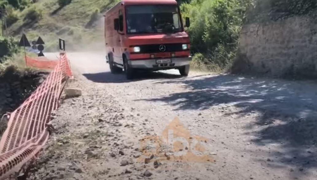 Lozhan-Maliq, rruga e lenë në harresë për tre dekada, banorët: E degraduar, burim aksidentesh