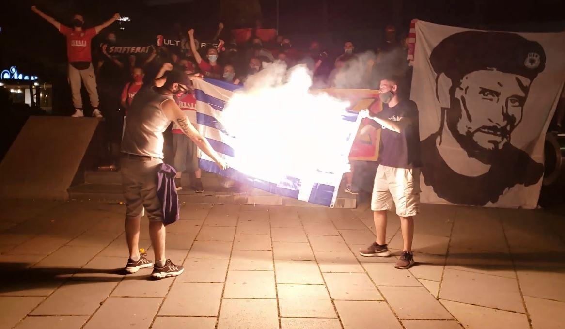 Ultrasit dogjën flamurin grek, Gjilani: Akt i pahijshëm, duhet të jemi shembull!