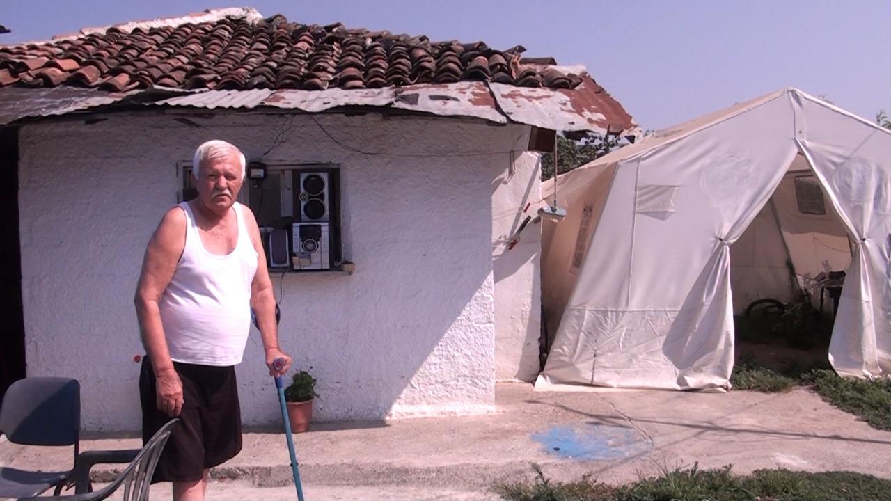 Familja Mata në Thumanë pa mbështetje prej 8 muajsh, tërmeti i shkatërroi shtëpinë
