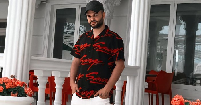 Këngëtari shqiptar i nënshtrohet testit të koronavirusit, tregon rezultatin