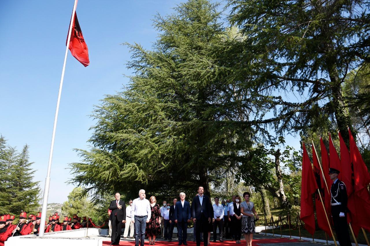 """Tirana përkujton 78-vjetorin e Konferencës së Pezës, Veliaj: """"Mesazhi i saj, aktual edhe sot; Vetëm kur jemi të bashkuar, mund të ecim përpara"""""""