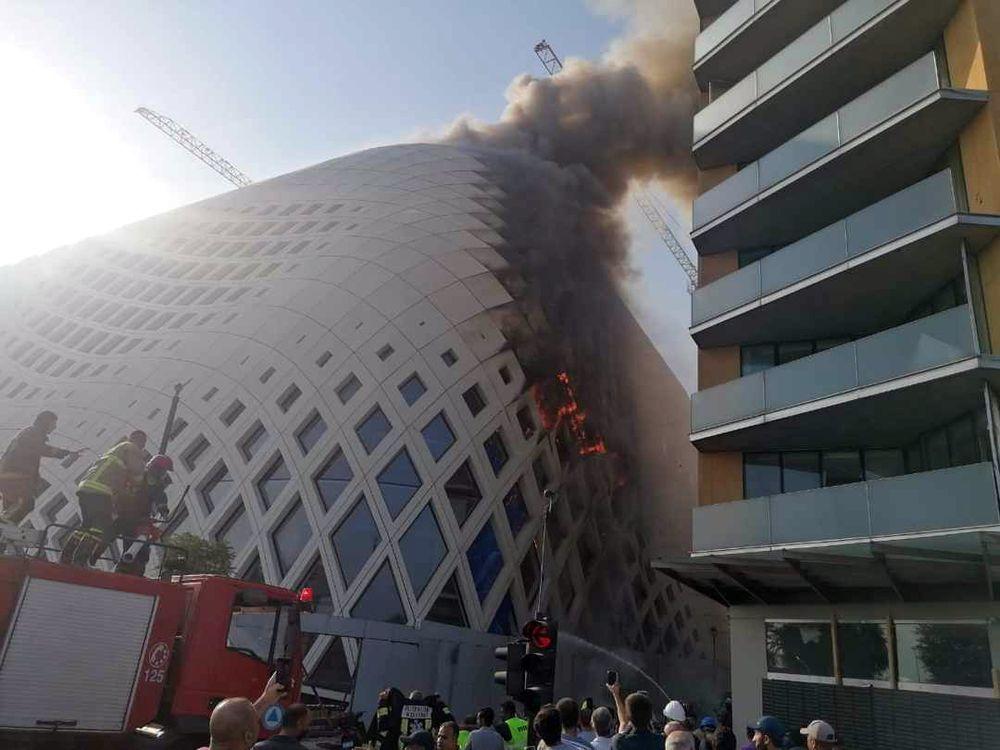 VIDEO/ Beiruti nuk gjen qetësi nga flakët, shpërthen tjetër zjarr pranë portit