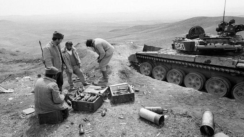 Lufta Armeni-Azerbajxhan, çfarë fshihet pas konfliktit të dy vendeve