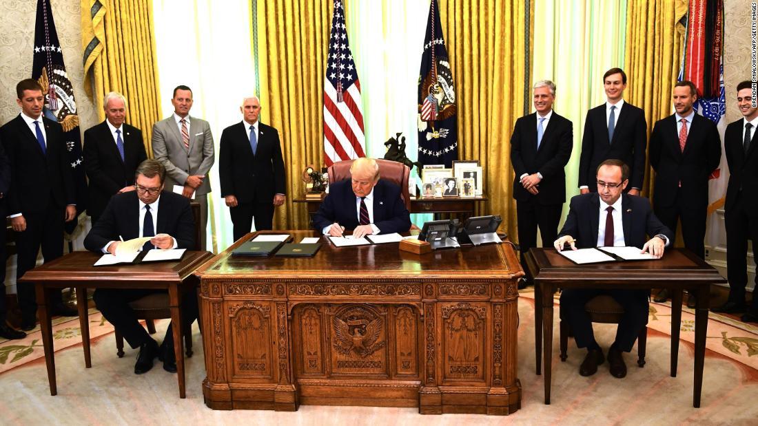 """Marrëveshja e 4 shtatorit, Kosova pritet ta nderojë Trump-in me """"Urdhrin e Lirisë"""""""
