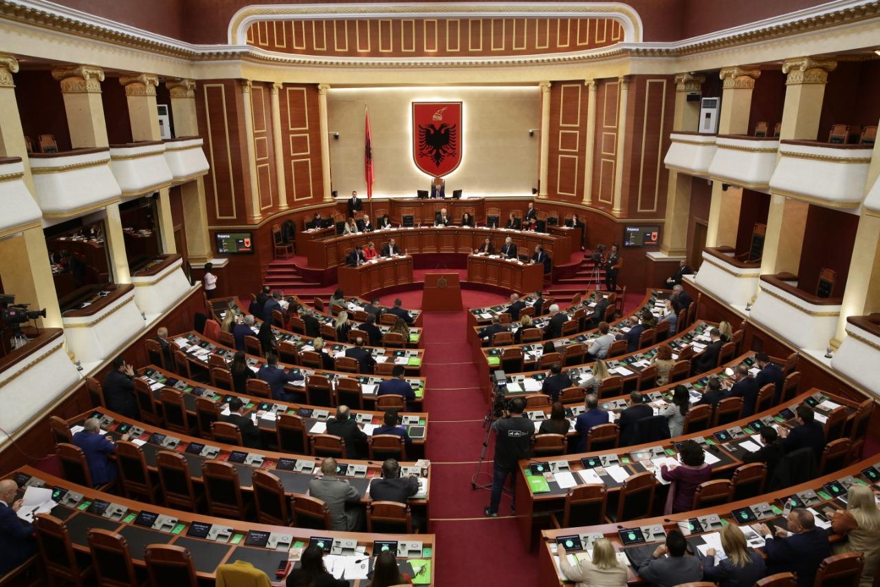 Kuvendi voton ngritjen e Komisionit të Posaçëm për zgjedhjen e anëtarëve të KQZ