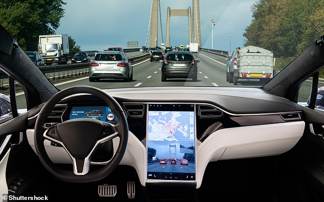 """Algoritmi i ri që """"mban larg"""" makinat autonome nga aksidentet"""