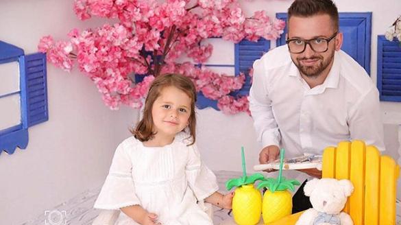 """Erion Isai bëhet baba për herë të dytë, zbulon emrin """"e padëgjuar"""" të vajzës"""