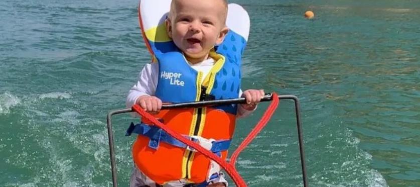 Ndodh! Një bebe thyen rekordin e personit më të ri që bën ski në ujë