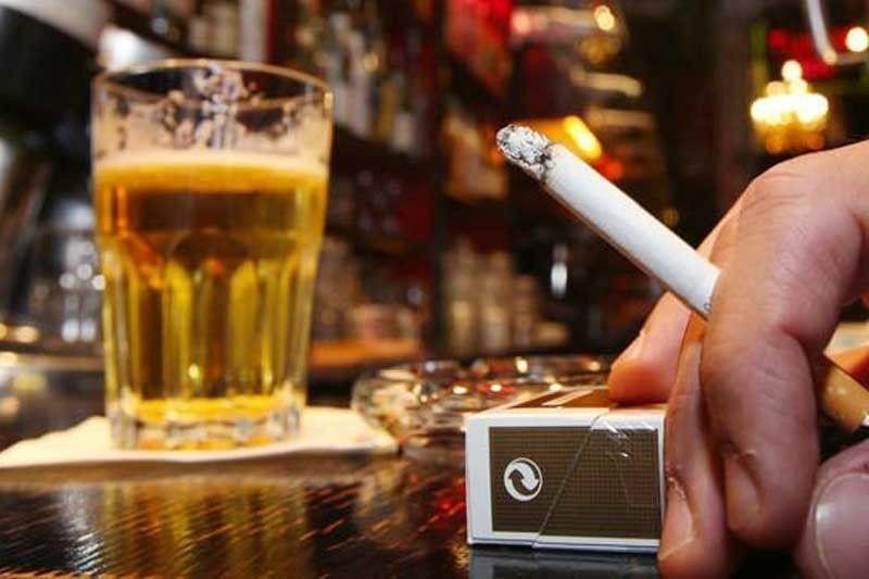 Numri i ulët i turistëve në gusht ul konsumin e karburanteve, cigareve, birrës e kafesë