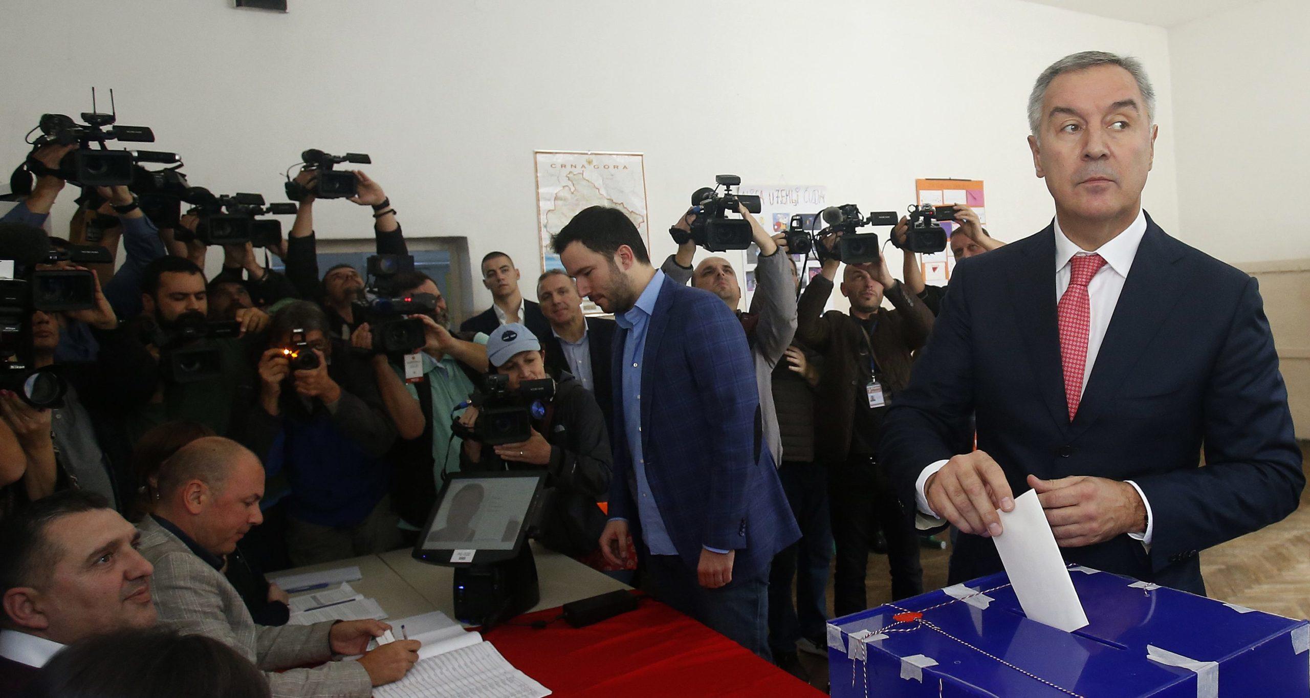 Opozita rrëzon Gjukanoviçin, çfarë ndodh pas zgjedhjeve në Mal të Zi