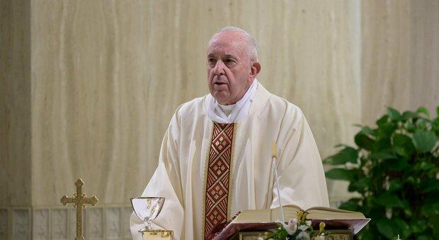 U takua me Kardinalin e infektuar, Papa Françesku testohet për koronavirus