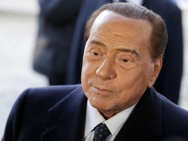Urgjent në spital prej Covid-19, zbulohet komplikacioni i Berlusconit