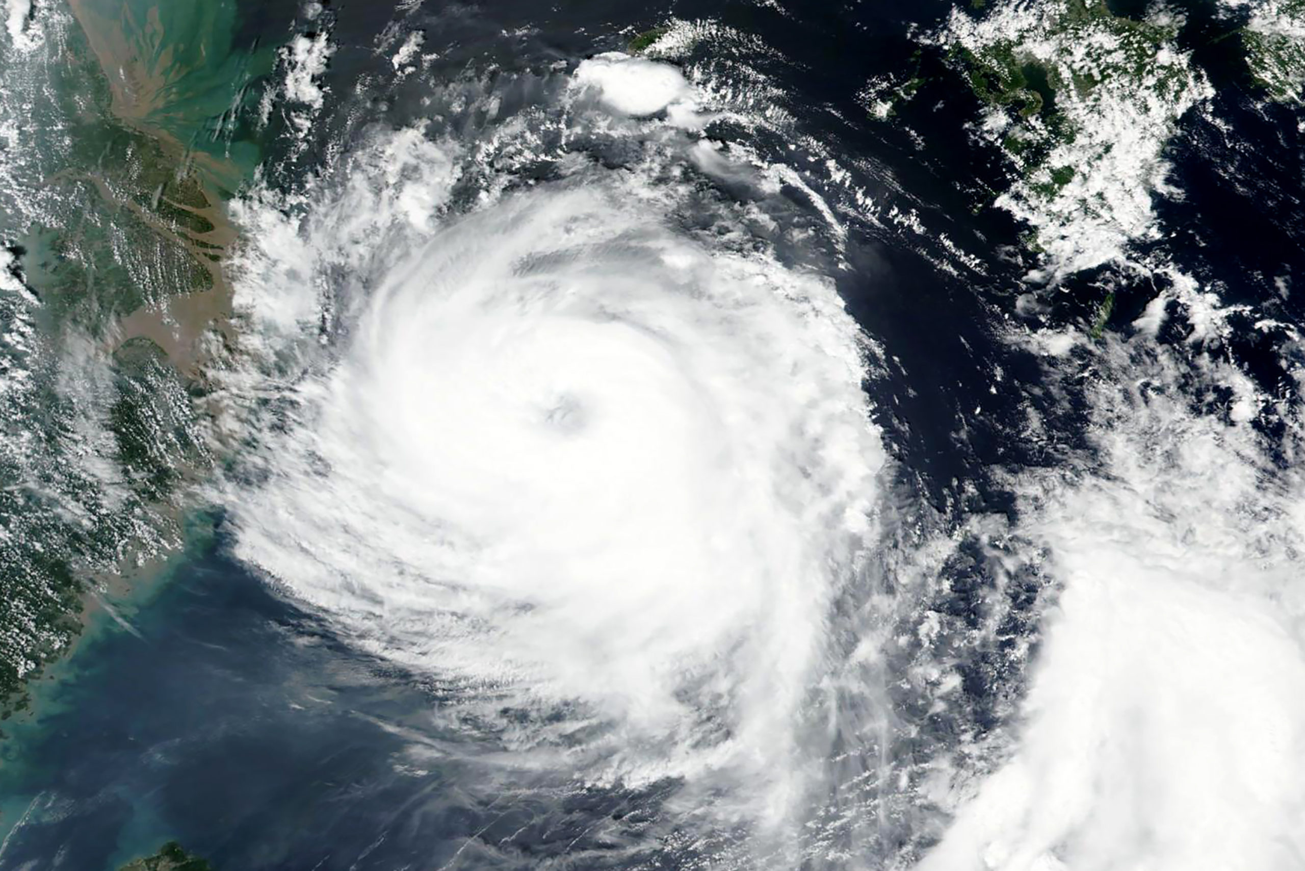 Koreja e Jugut dhe e Veriut priten te goditen nga dy tajfunë brenda një jave