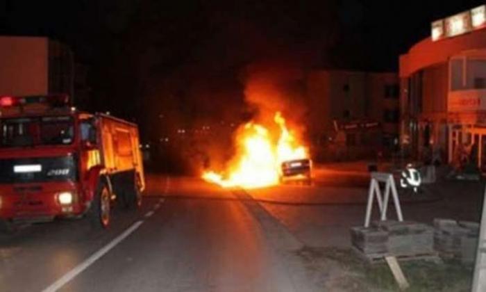Shkrumbohet gjatë natës një makinë në Tiranë