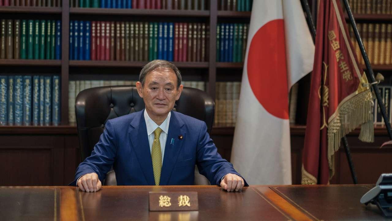 Yoshihide Suga zgjidhet kryeministër i ri i Japonisë