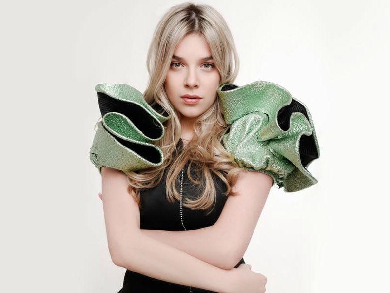 """Çfarë suksesi! Arilena Ara bëhet pjesë e """"Vogue Italia"""" dhe """"Milan Fashion Week"""""""