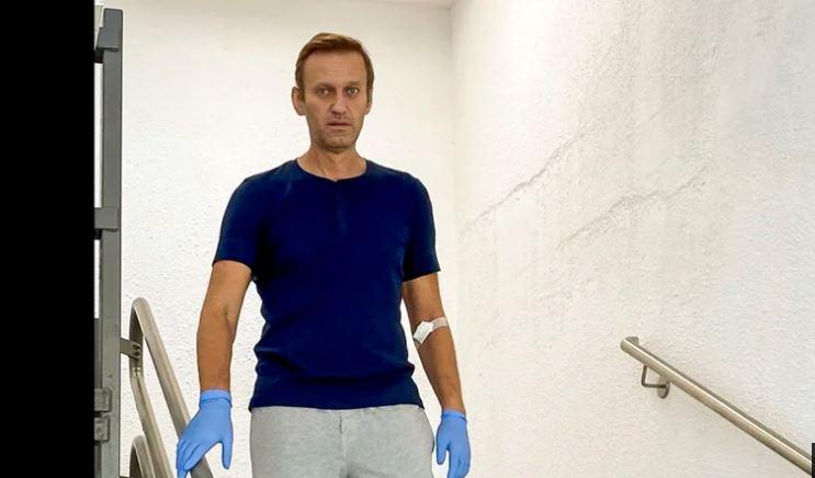 Kritiku i Kremlinit, Alexei Navalny del nga spitali