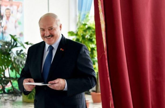 BE nuk e njeh Lukashenkon si president të Bjellorusisë: Mbështesim protestat paqësore