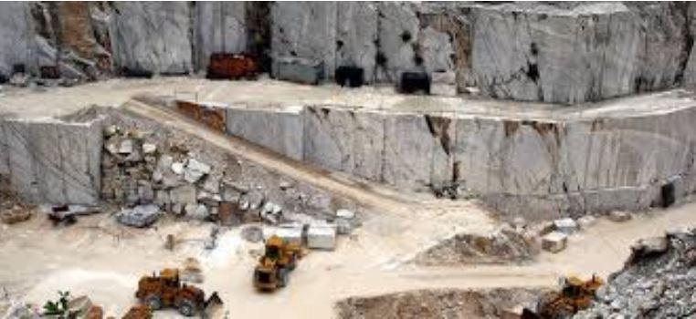 Shembja e gurores në Pakistan lë të vdekur 17 persona dhe 11 të zhdukur