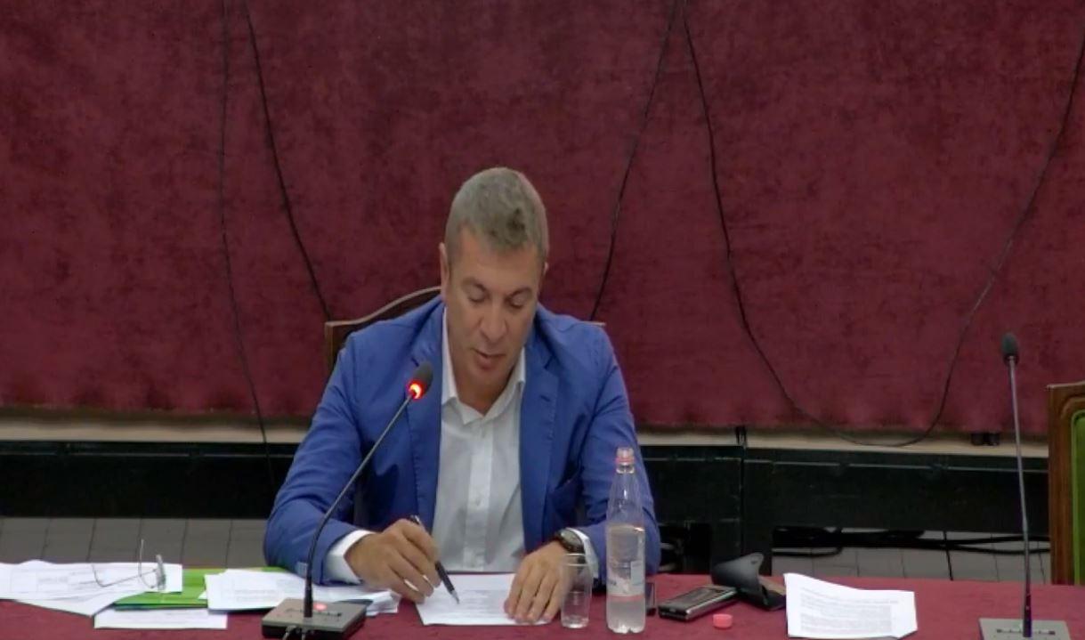 """""""Ligjet"""" miratojnë koalicionet parazgjedhore me lista unike, Fino kundër kandidimit në 4 zona"""