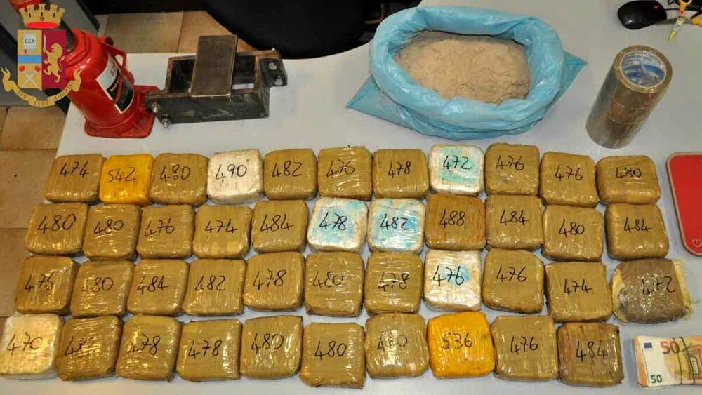 Punëtor me profil të ulët! Si i zbuluan agjentët në Itali shqiptarit 21 kg heroinë brenda në shtëpi