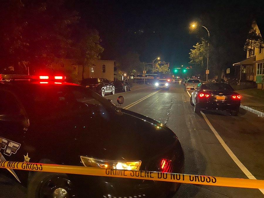 Të shtëna me armë zjarri në New York, humbin jetën 2 persona plagosen 16 të tjerë