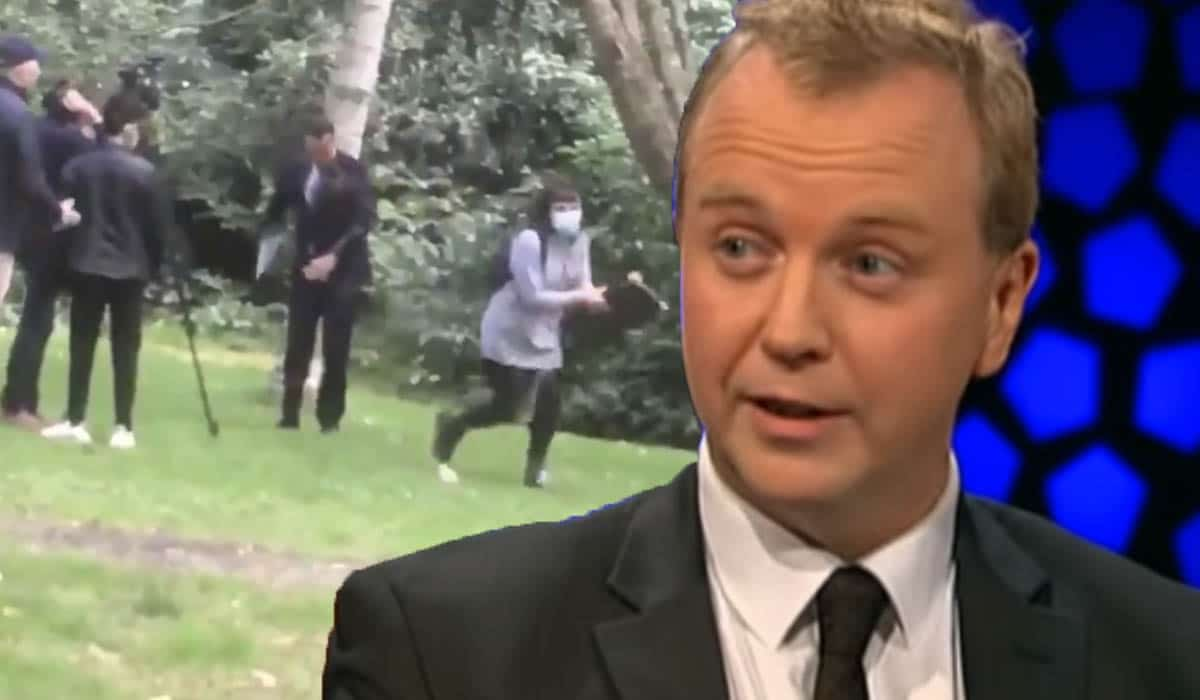 Po jepte intervistë, gruaja godet me shishe kryeministrin irlandez