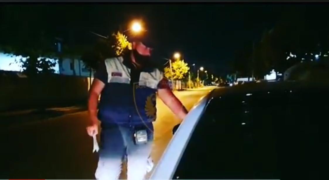 """Policia e ndalon """"tapë"""" në timon, 52-vjeçari tenton ta korruptojë! Përfundon në pranga"""