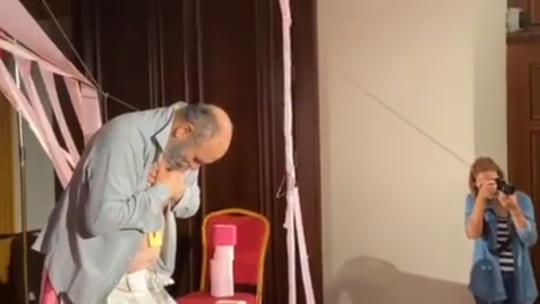"""Meta kthen presidencën në """"skenë"""" teatri: Budina shfaqje kundër shembjes së Teatrit Kombëtar"""