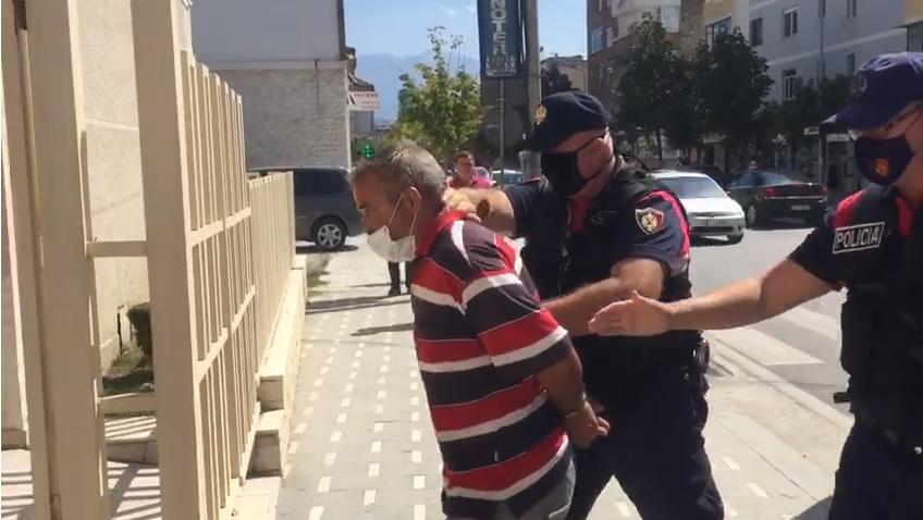 """""""Isha i pirë"""", Lirohet nga qelia 66-vjeçari që ngacmoi seksualisht të miturin në Berat"""