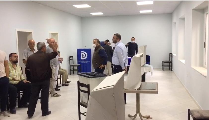 Nis votimi për përzgjedhjen e kandidatëve për deputetë në Berat, Bardhi mbikëqyr procesin