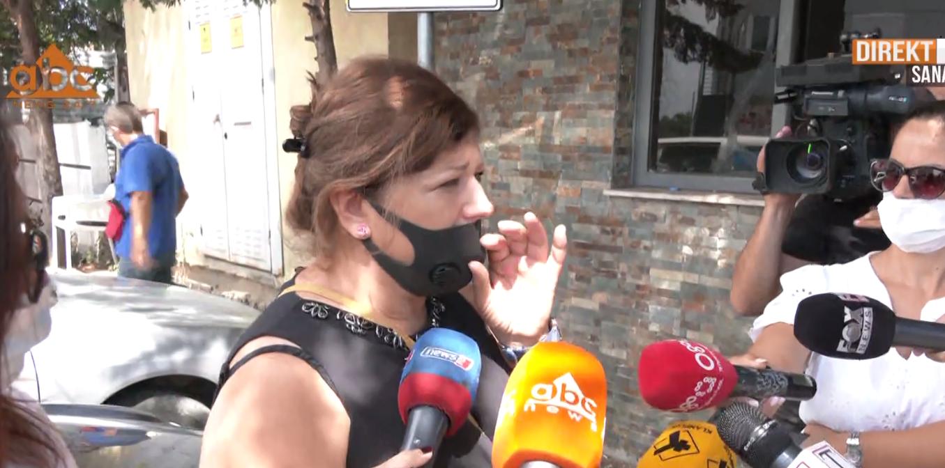 Dy të rinj tentojnë të futen me forcë në spitalin Covid-2, familjarët: Nuk dimë çfarë ndodh brenda