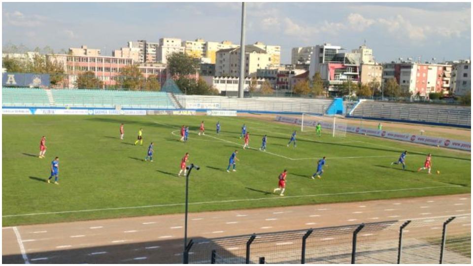 """VIDEO/ Dy gola të shpejtë në """"Niko Dovana"""", Granada ndëshkon Teutën"""