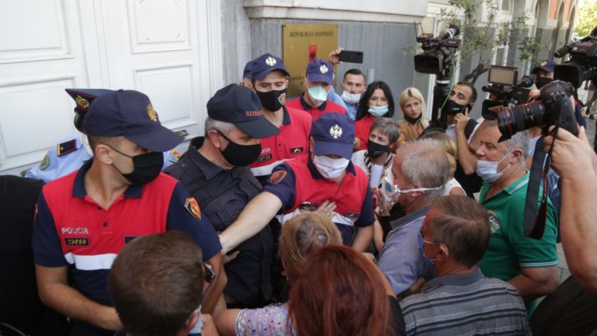 Protesta e naftëtarëve, PD: Qeveria të dëgjojë zërin e tyre, të zgjidhë problemin pa vonesa