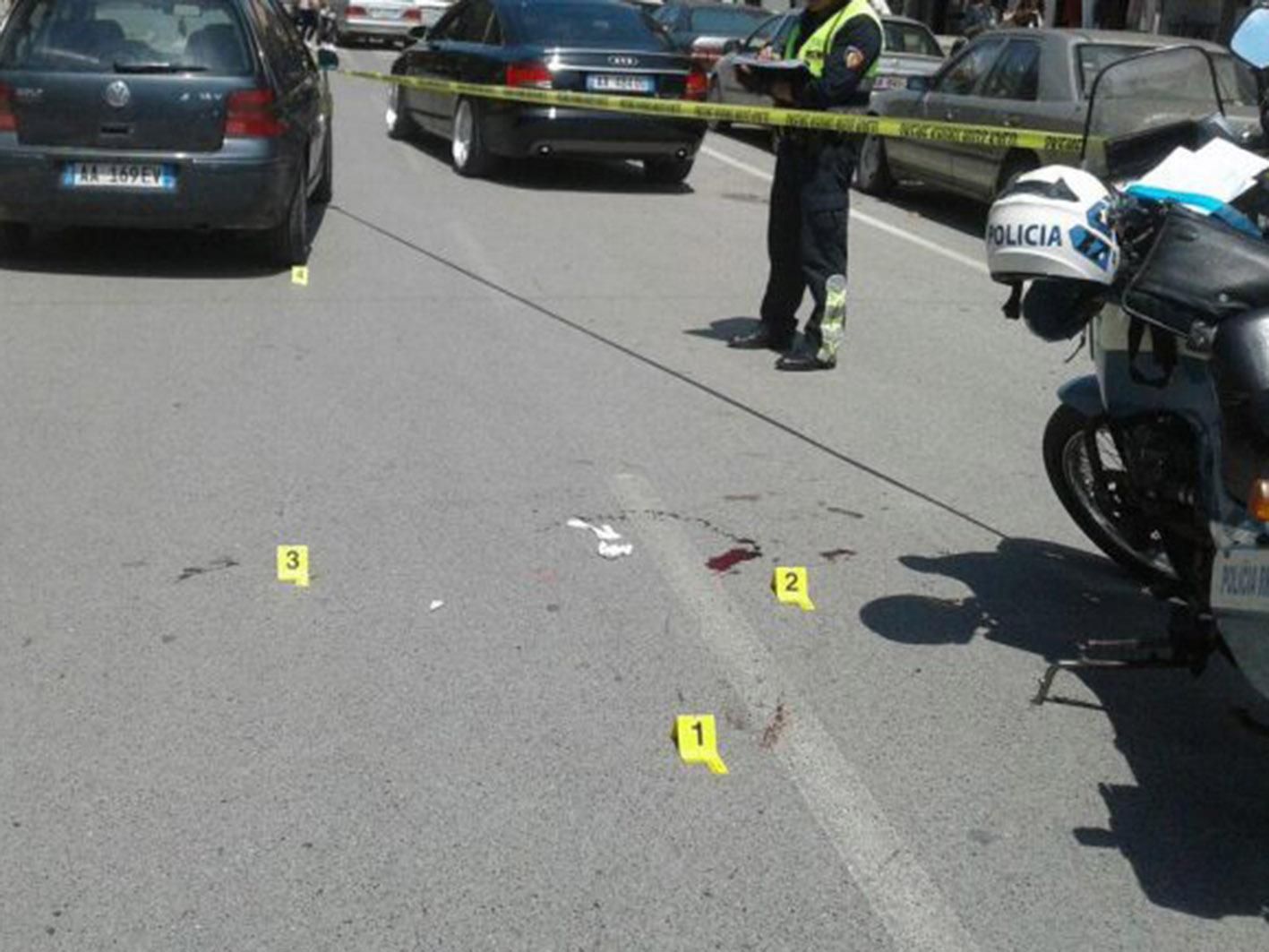 Del nga rruga makina në Lushnje, plagoset shoferja dhe dy të tjerë