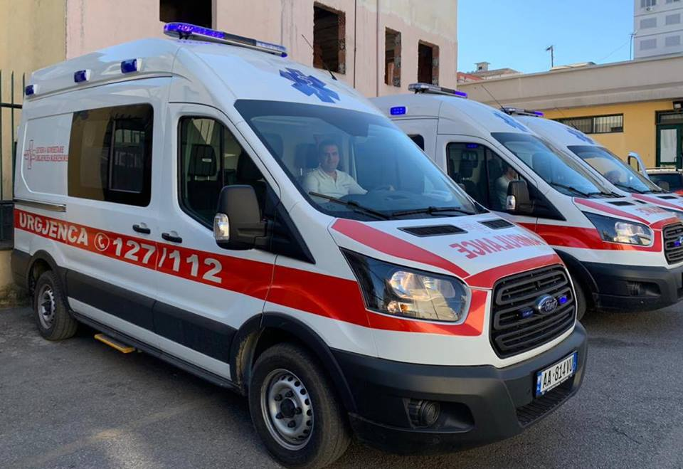 Sherr me thika në Durrës, një i plagosur