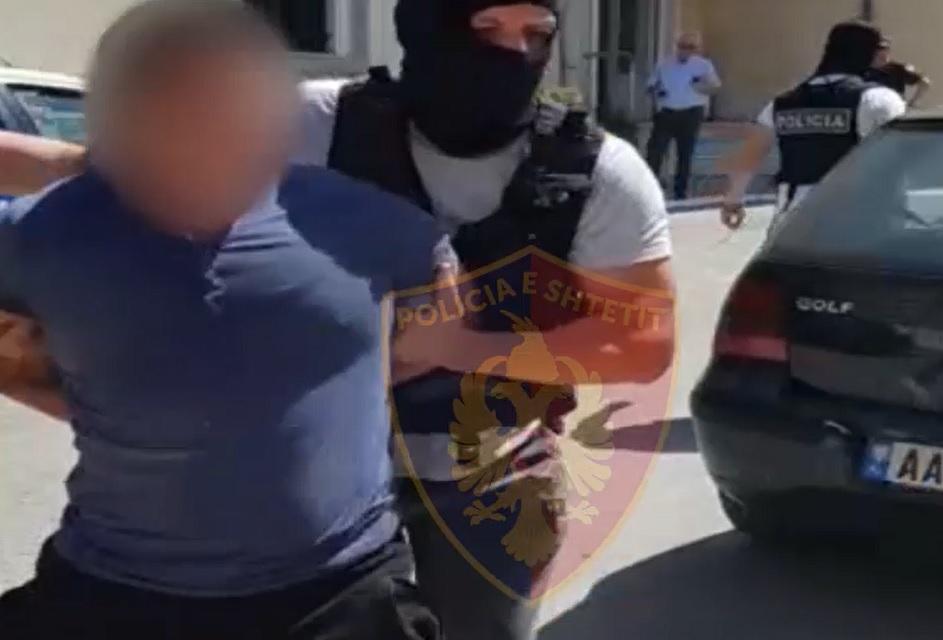Kapen me lëndë narkotike, arrestohen 2 persona në Elbasan