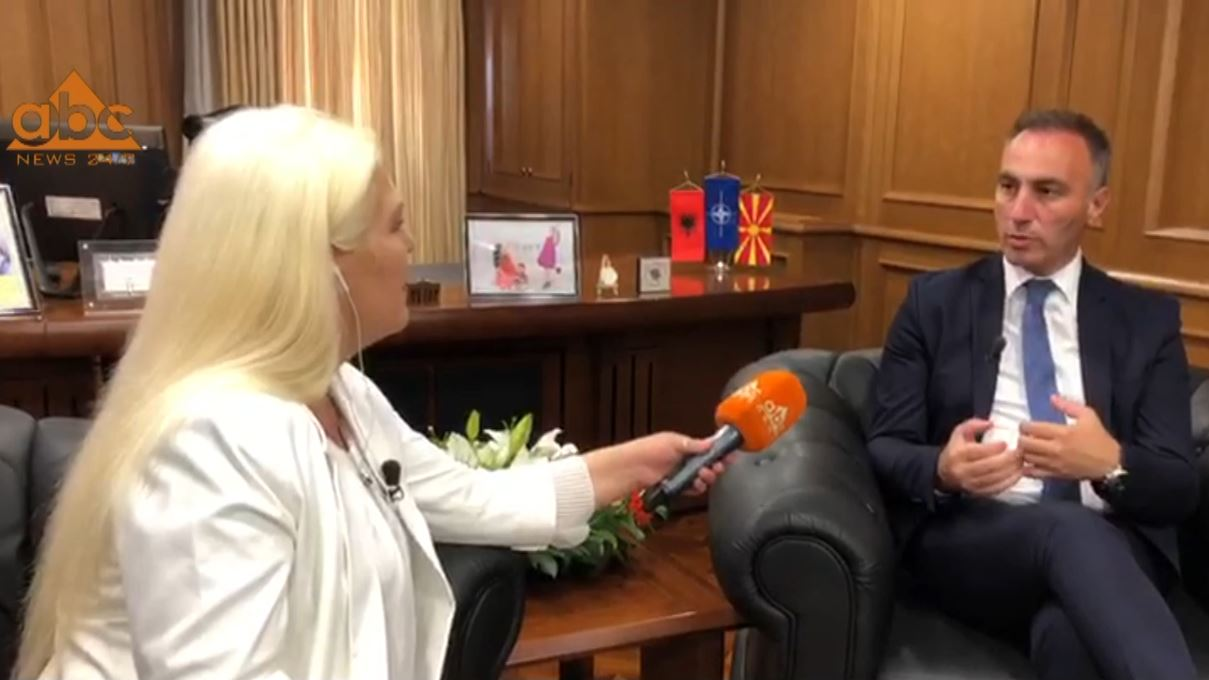 """Artan Grubi në """"Abc News"""": Marrëveshja mes Kosovës dhe Serbisë sjell paqe në rajon"""