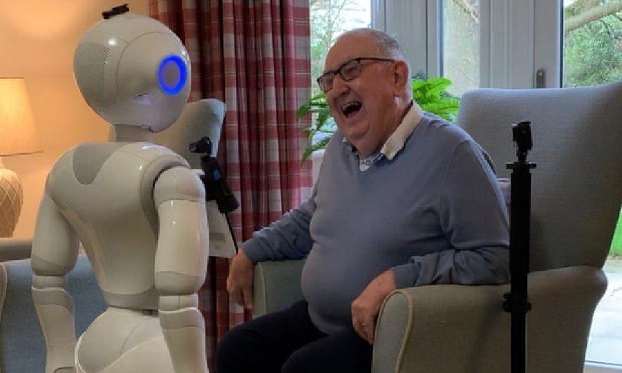 Britania bën një tjetër hap, robotët do të përdoren në shtëpitë e kujdesit për të kaluar vetminë