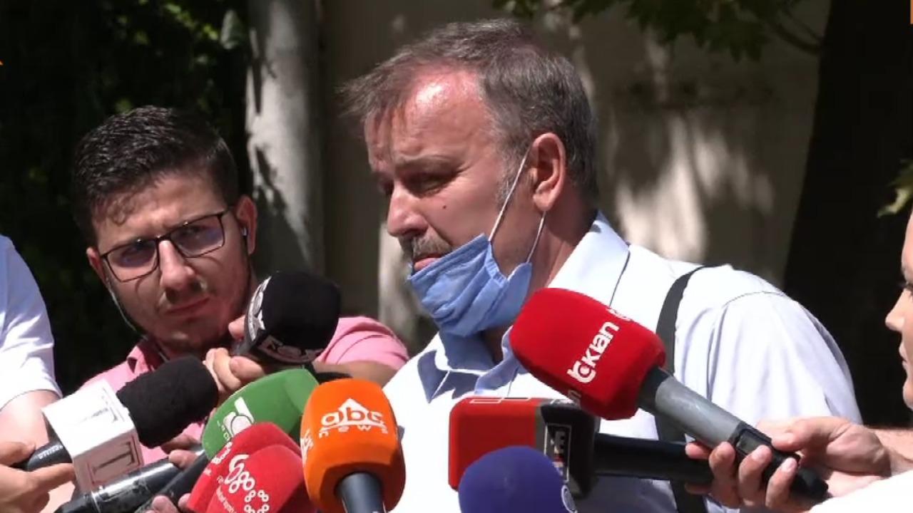 Babë e bir akuzohen se ekzekutuan 23-vjeçaren, avokati: Vajza ka qenë e fejuar, nuk banonte në shtëpi