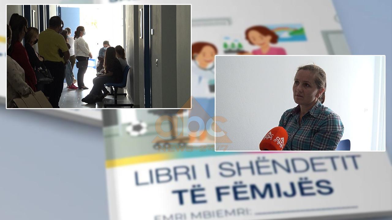 Prindërit në Lezhë, 4 orë kohë për vërtetimin e vaksinimit të fëmijëve, pa të s'i dërgojnë dot në shkollë