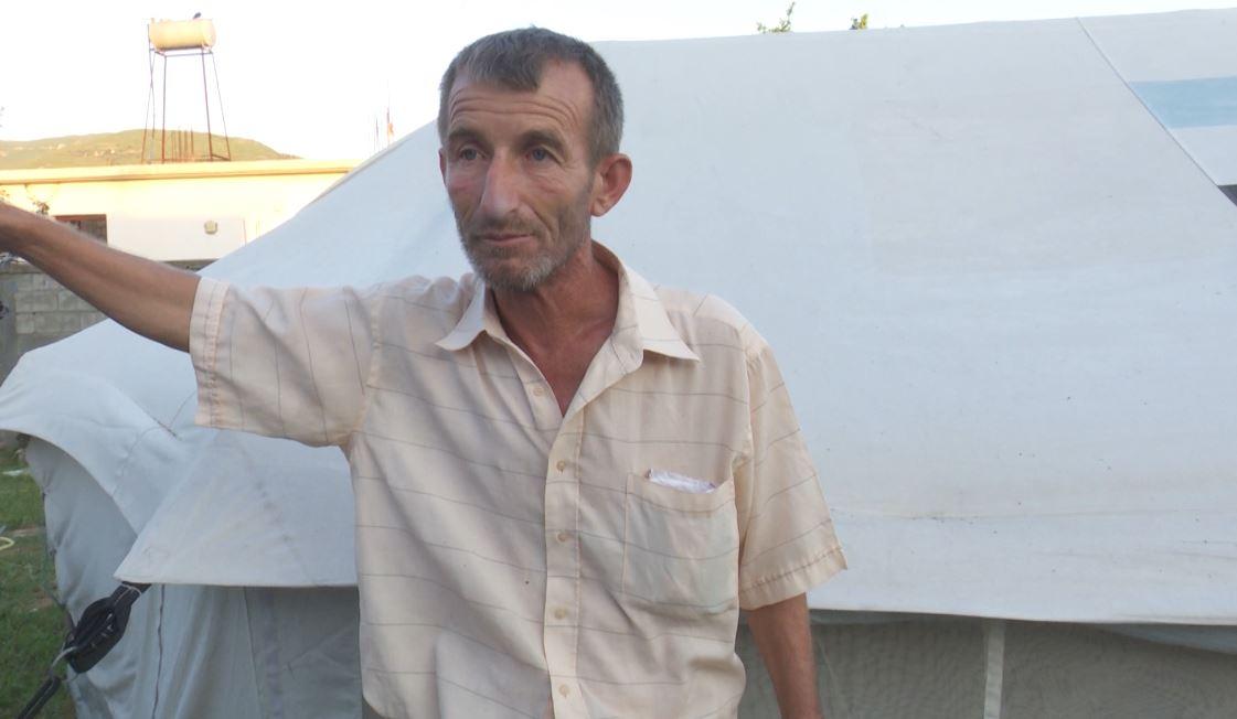 Banori nga Fushë Miloti: Jetoj në çadër prej 9 muajsh, fëmijët janë sëmurë