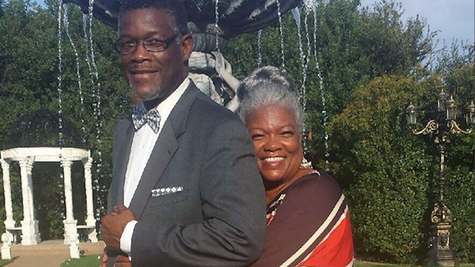 U rikuperuan nga Covid-19 dhe kanceri i gjirit, çifti feston përvjetorin e 46-të të martesës